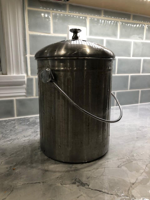 A picture containing kitchenware  Description automatically generated